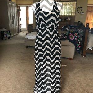 Forever 21 Dresses - Black and White Maxi Dress